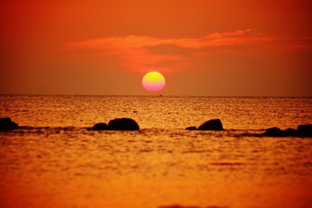 落陽 能登は上野海岸