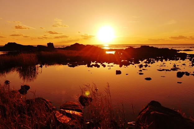 静寂の夕景 能登上野海岸