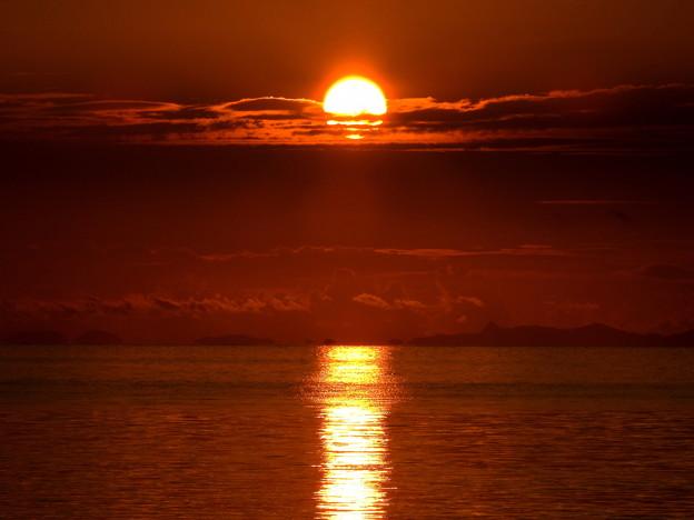 写真: 西表の朝日なのです^^