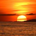 西表島に落ちる夕日なのです^^