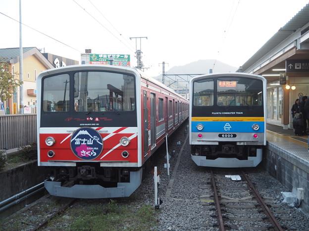 富士急行 大月駅 6000系