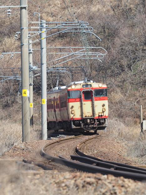 Photos: キハ40 国鉄急行色 越後寒川~今川
