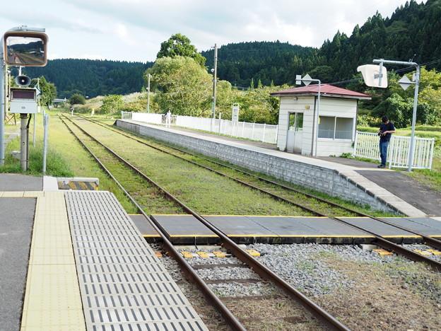 五能線 北金ヶ沢駅ホーム
