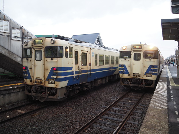 五能線 鰺ヶ沢駅キハ40交換