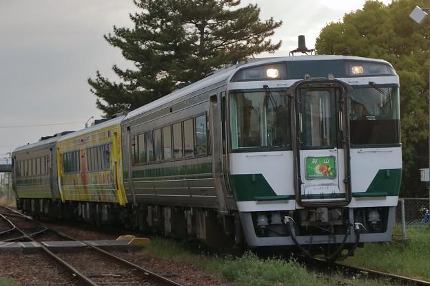 キハ185系剣山