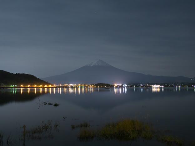 夜の河口湖より