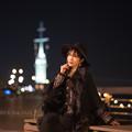 Photos: 夜景と君