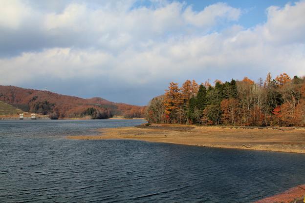 晩秋の玉原湖