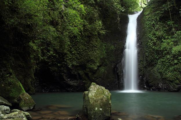写真: 小滝・・滝つぼまで行けた