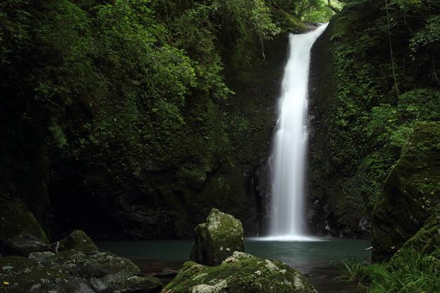 小滝・・滝つぼのすぐ近くまで行ってみる
