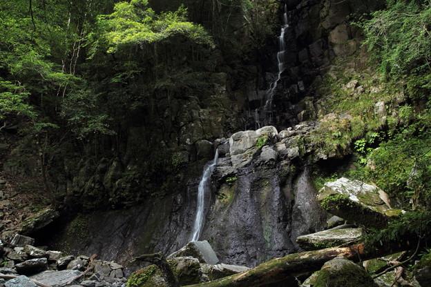 写真: 大滝・・雨がなくちょろちょろ