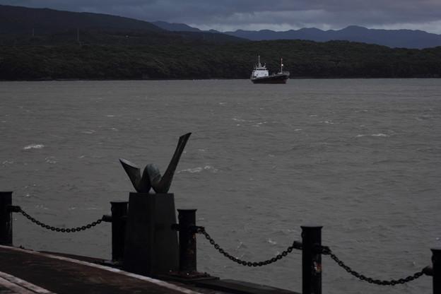船は待機中