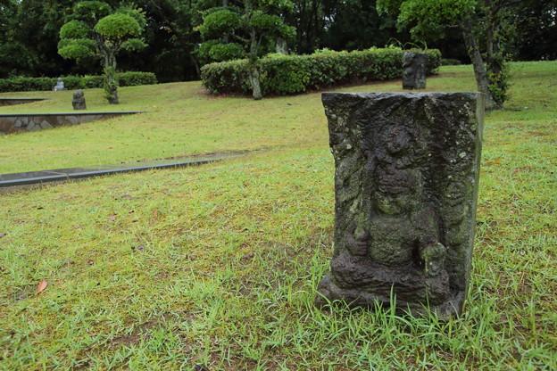 水俣病慰霊石像