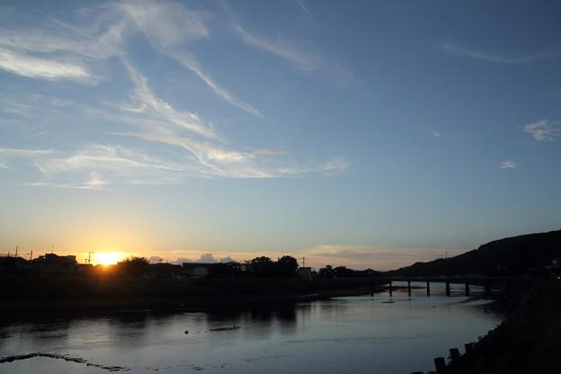 Photos: 水俣川の夕日
