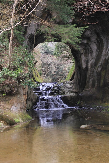 亀岩の洞窟