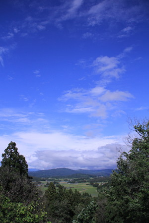 花巻、青空と新緑へ風薫る。