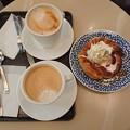 Photos: デニブランとホットカフェラテ
