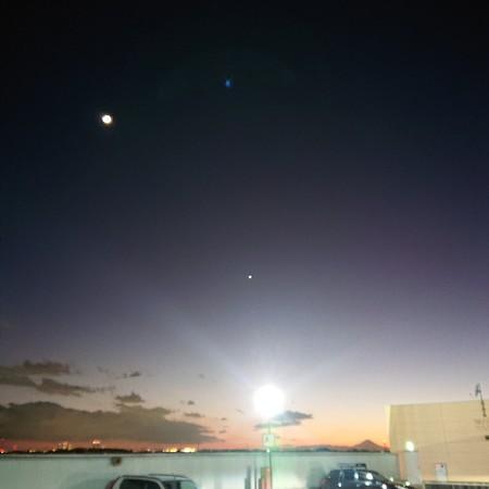 大晦日の月と金星と富士山