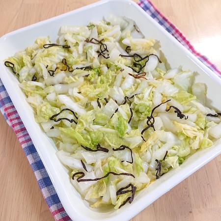 白菜の塩こんぶ浅漬け風
