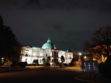 ライトアップ表慶館