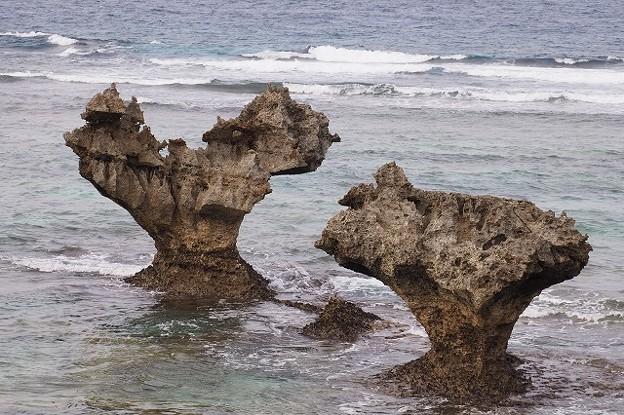 Photos: 右斜め下から2つの岩が重なるように見ればよかったみたい