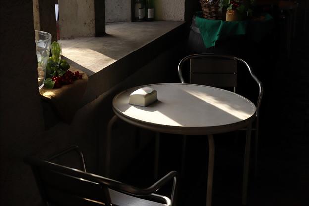 こもれ日テーブル