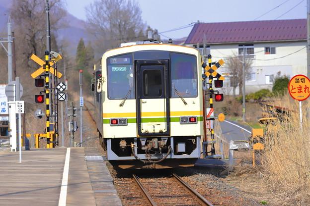 Photos: 早春列車