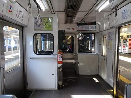 NT200-車端部