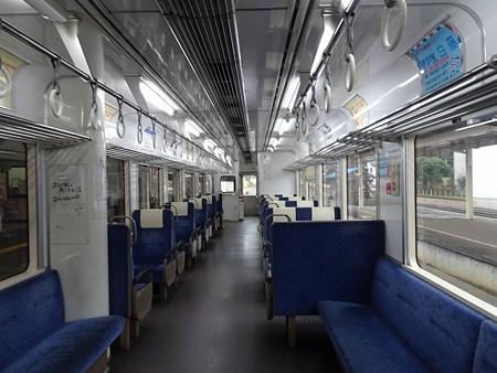 NT200-車内全景