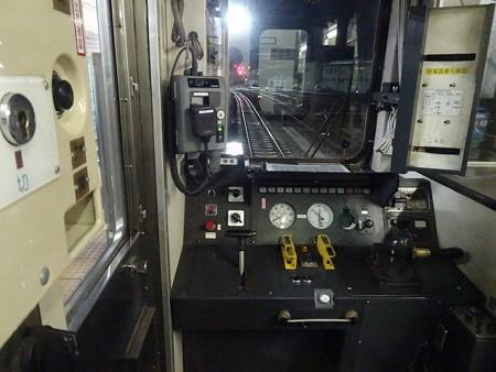 DC12-運転台