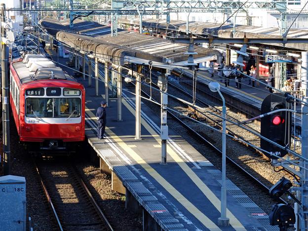 Photos: 通過列車待ち