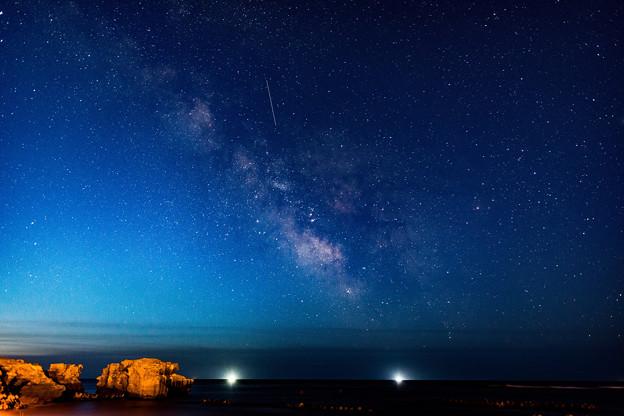 写真: 銀河の夜明け