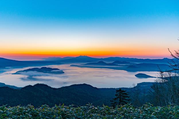 写真: ー日の出前ー