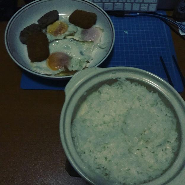 写真: 地震翌日の朝ごはん