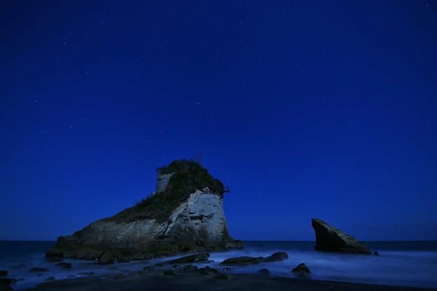 Photos: 夫婦岩と星空