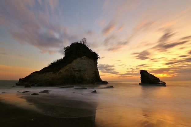 Photos: 明け方の夫婦岩