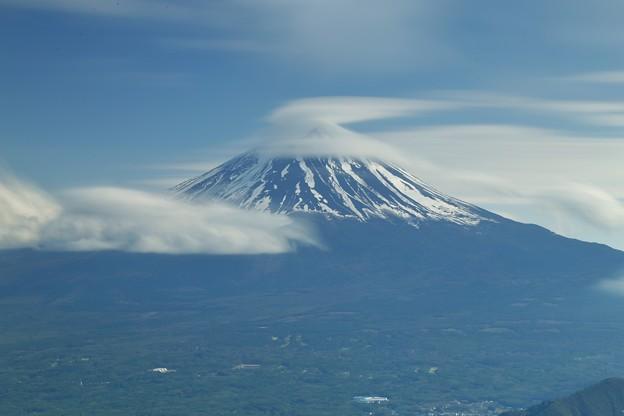 Photos: 山梨 新道峠より望む富士山