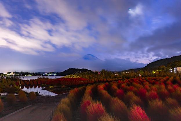 夜もやっぱり恥ずかしがりの富士山(^-^;