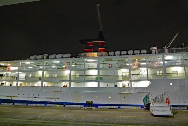 3) 船体横付け