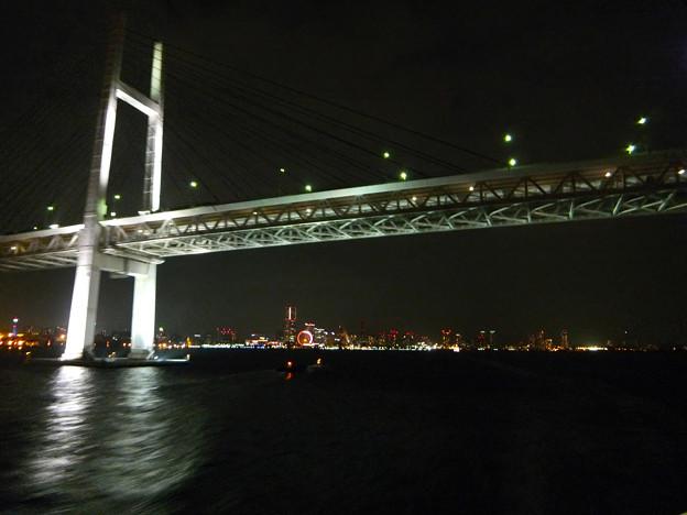 4) ベイブリッジと遠ざかる横浜