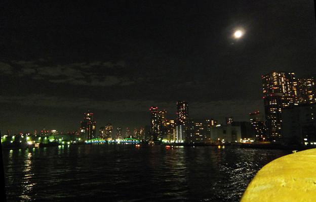 11) まもなく竹芝桟橋到着