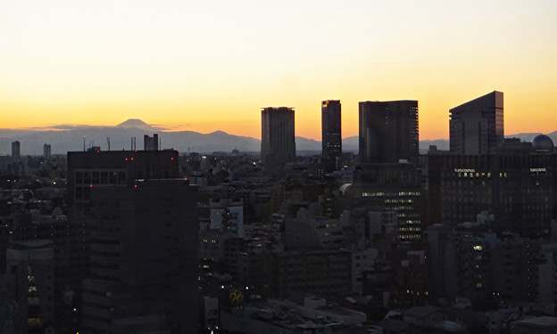 夕暮れ富士遠望@渋谷