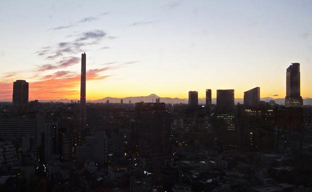 110キロメートル先の富士