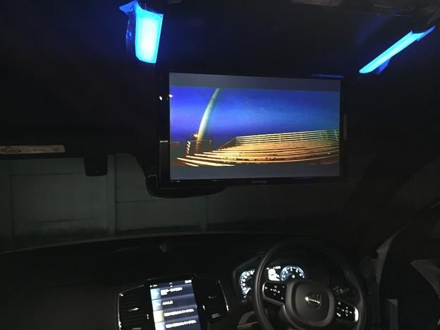 現行VOLVO XC90 フリップダウンモニター取付1