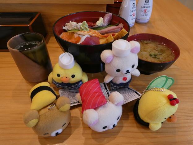 リラックマお寿司マスコットで