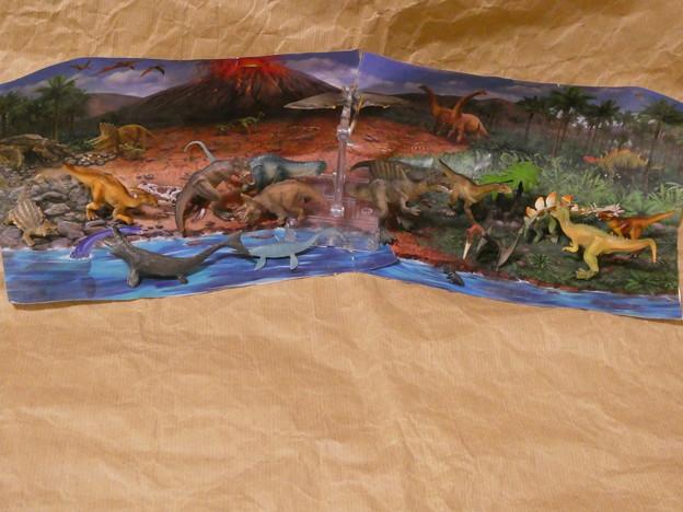 恐竜ジオラマ