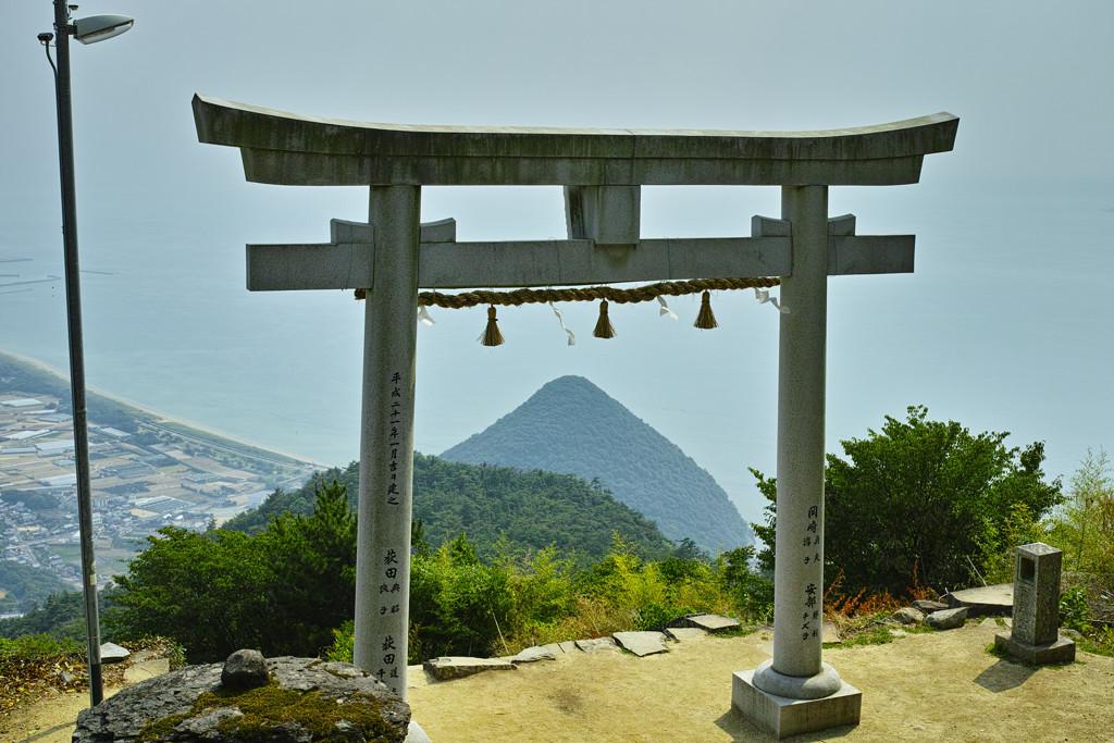 天空の鳥居(高屋神社) #8