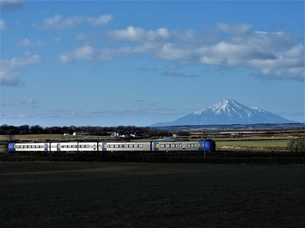 利尻富士と列車