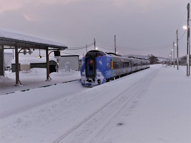 Photos: 特急列車は来たけれど・・・ (2)