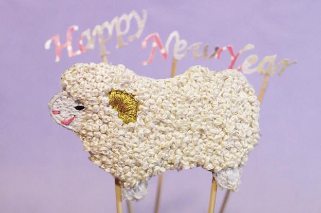 Photos: 羊刺繍